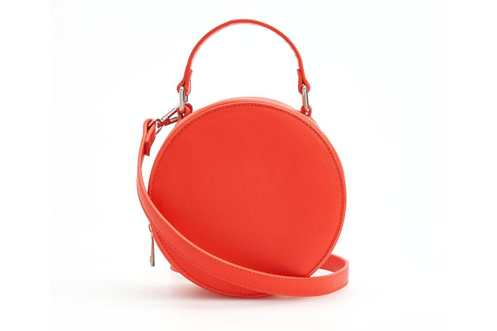 reserved - The Circle Handbag Trend Is Not Going Anywhere!