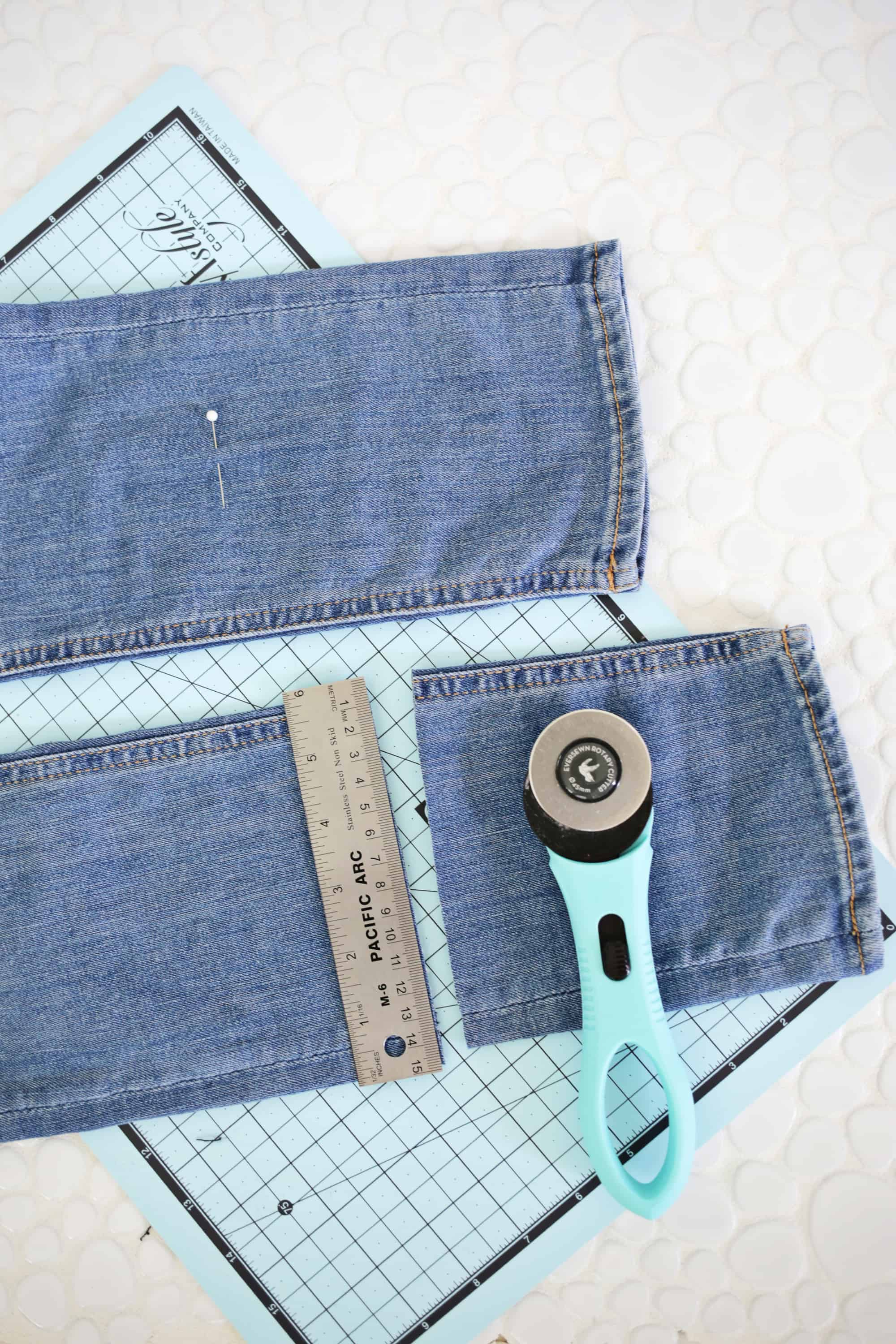 5 Ways to DIY The Biggest Jean Trends click through for tutorial 1 18 - Cool Ways to recycle your old jean! DIY