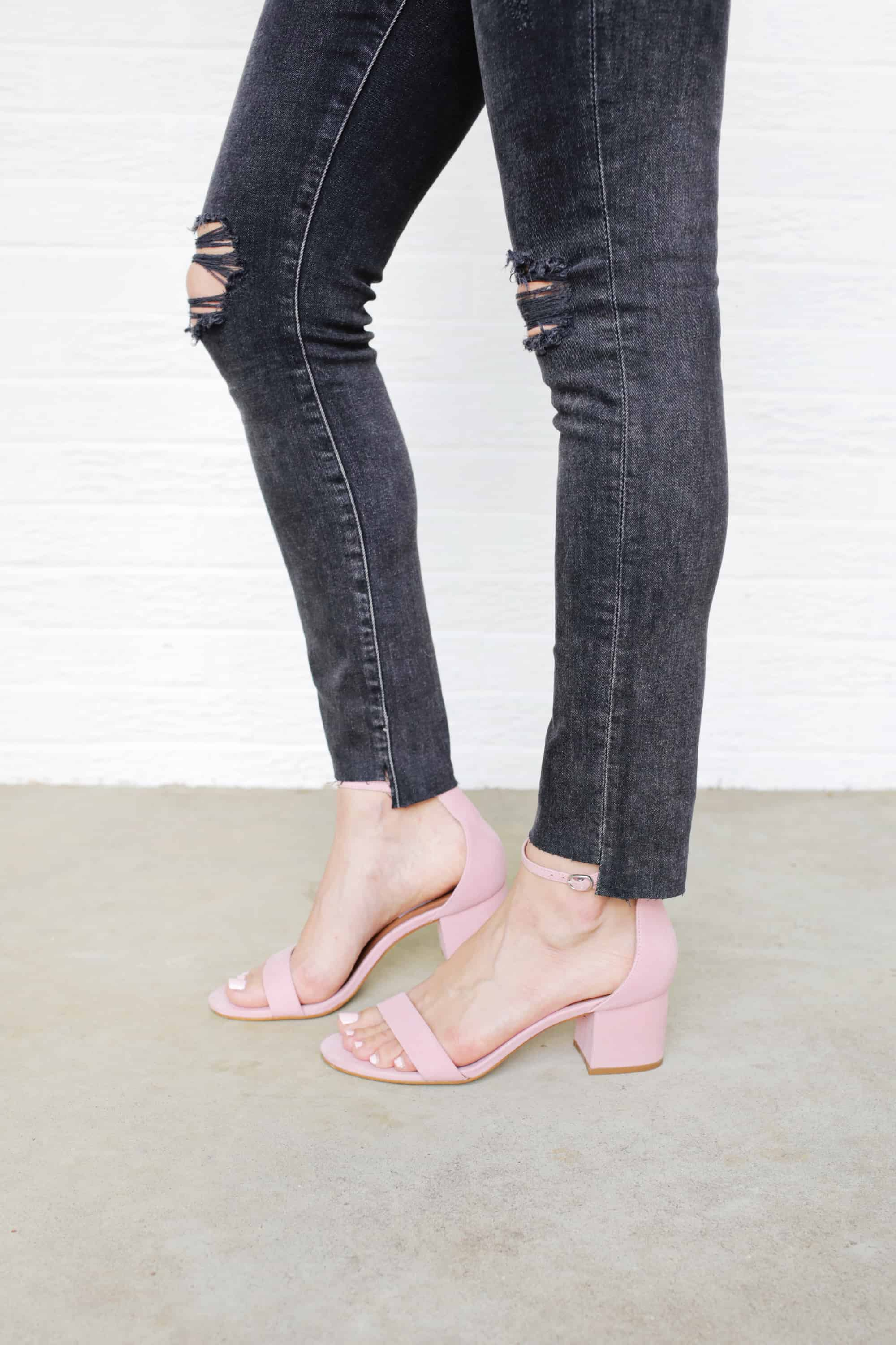 5 Ways to DIY The Biggest Jean Trends click through for tutorial 1 7 - Cool Ways to recycle your old jean! DIY