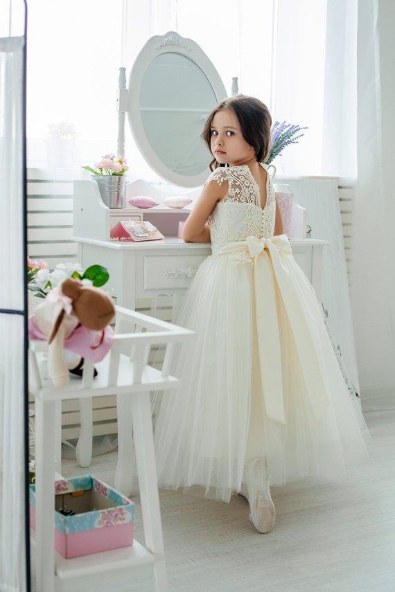 flower girl dress 44 - Super Cute Flower girl Dresses Ideas!