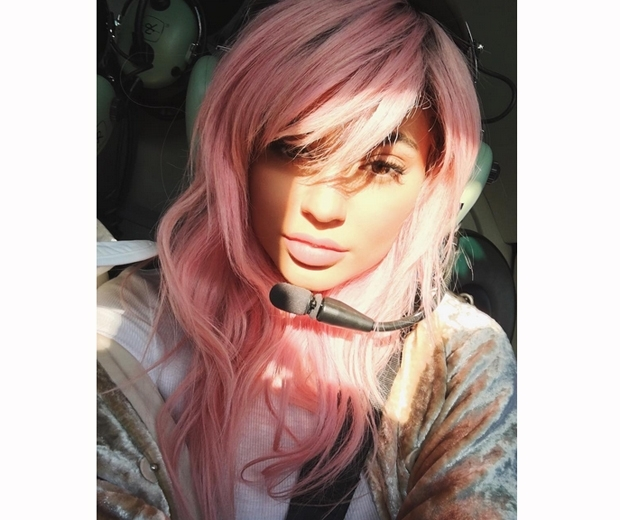 kylie jenner pink hair 2 0 1 - Kylie Jenner & her 50 shades of hair!