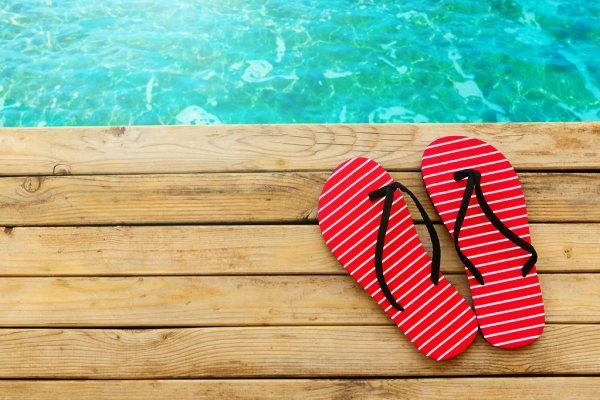 The Best Flip Flops to complete your summer look